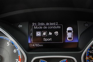 Ford Focus RS interieur-21
