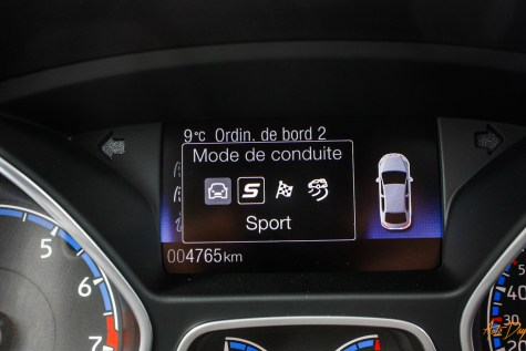 Ford Focus RS interieur-21