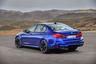 P90273002_lowRes_the-new-bmw-m5-08-20