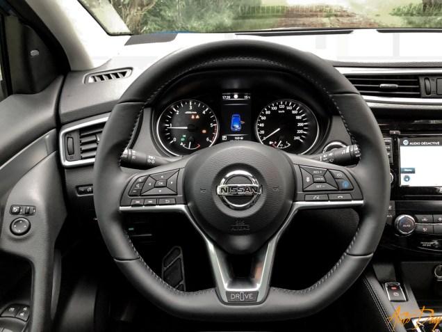 Nissan Qashqai Connect Edition-11