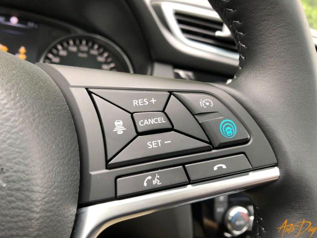 Nissan Qashqai Connect Edition-2