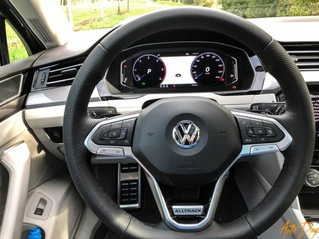 VW-Passat-23