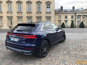 Audi Q8-2