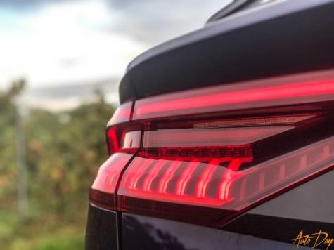 Audi Q8-24