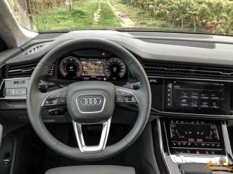 Audi Q8-33