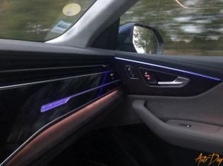 Audi Q8-71