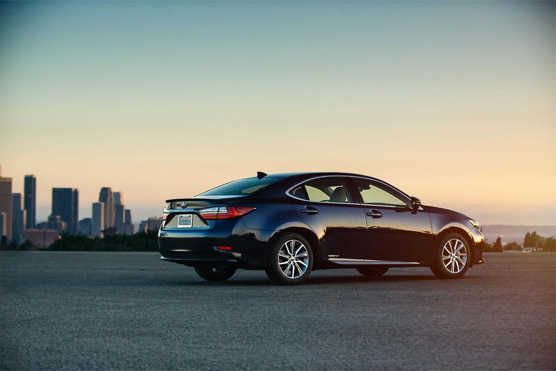 Lexus enters Indian market with ES 300h RX 450h LX 450d Autodevot