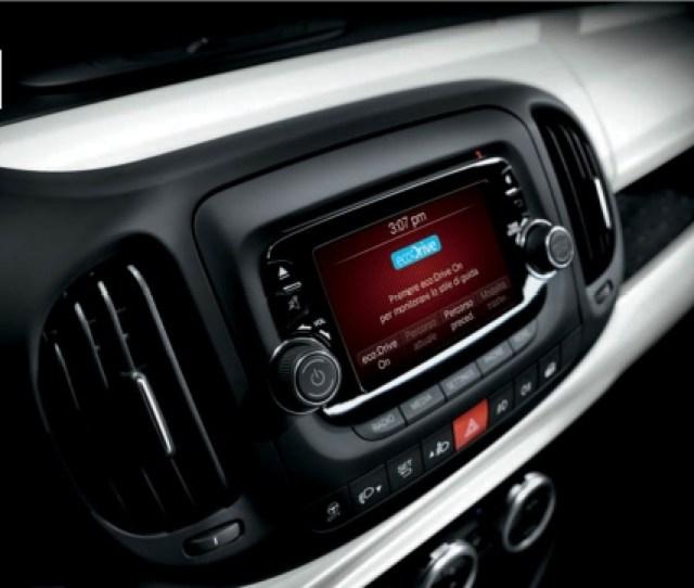 Chrysler Heeft Inmiddels Op De  Zie Filmpje Onder Al Een Optionele Geluidsinstallatie Met De Persoonlijke Handtekening Van Dhr Dre Wat Met Name In