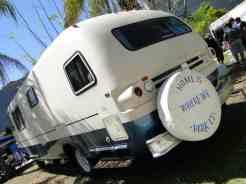 ... o chassi é do caminhão Dodge M500, com motor V-8 440 Magnum...