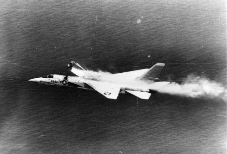 800px-A-5A_Vigilante_ejection_seat_test_NAN1-89