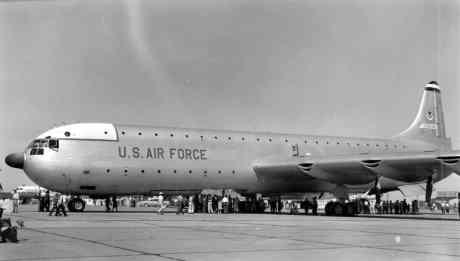 O cargueiro XC-99, por muitos anos, recordista de peso de decolagem (i imgur.com)