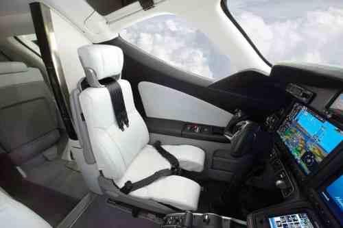 HondaJet Interior - Pilot Seat