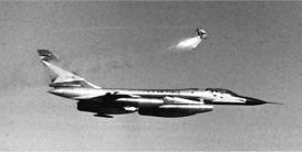 O urso sendo ejetado (USAF)
