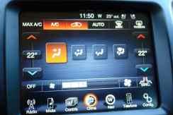 Ar-condicionado tem comandos redundantes; na tela...