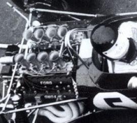Lotus 49. Olhe a marca Ford no cabeçote do Cosworth DFV