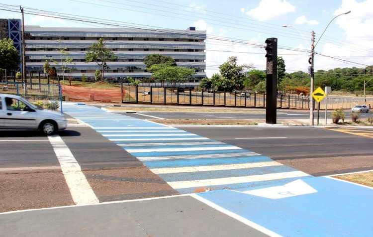 coluna 17-2-16 faixas pedestres Araraquara