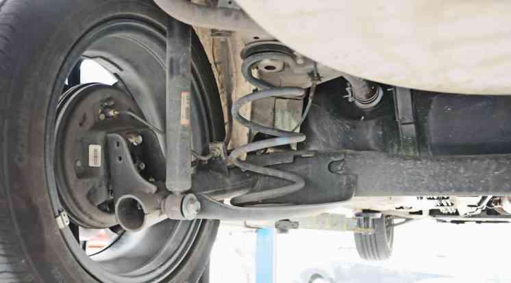e traseira compatíveis com o baixo peso do carro