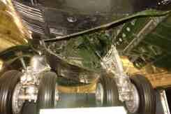 O trem do B-52 é único, esterçando todas as rodas