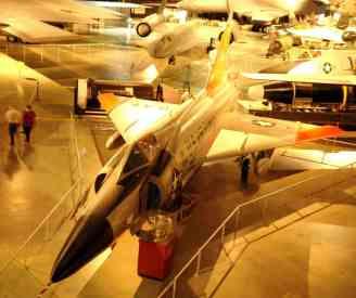 Convair F-102 Delta Dagger, evoluiu e passou a ser chamado de Delta Dart