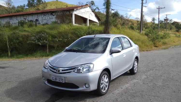 Toyota Etios XLS automatico 122