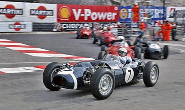 Stirling Moss (7) anualmente prestigia o GP histórico (foto ACM)