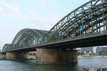 Colônia, ponte sobre o rio Reno