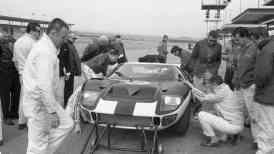 Testes do GT40 em 1965 [autoweek.com]