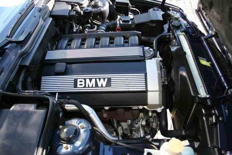 bmw_e34_touring_lazurblau_1993_4
