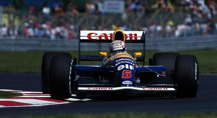 Nigel Mansell, campeão de 1992, não esperou o campeonato acabar para anunciar sua transferência para a Indy (Foto Renault)