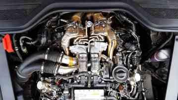 Audi A8 motor 03