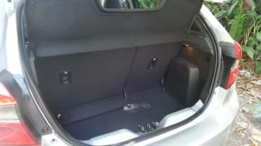 Porta-malas de hatchback compacto