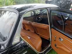 Estofamento interno em couro, um luxo incrível para um veículo Volkswagen daquela época (Foto: autor)