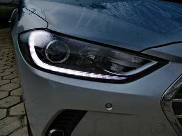 Detalhe do filete em LED como luz de rodagem diurna