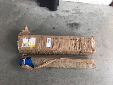 Pacotes quando chegaram pelo correio (Foto: Christian Grundmann)