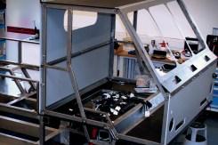 Instalação de motor sob a cabine
