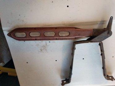 Já esta seta direcional é específica para o caminhão Chevrolet 1939, Nr. 123 da Detroit Signal; a posição normal dela é com a seta na vertical (Fonte: eBay)