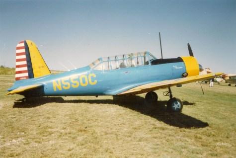 O treinador básico Vultlee BT-15. Lembra e muito o North American AT-6 mas com trem de pouso fixo. Foi uma aeronave muito usada no Brasil nos anos de 1940 e 1950 (hiveminer.com)