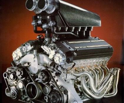Motor V-12 BMW modelo S70 usado no F1 (BMW)