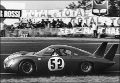 Em Le Mans no ano de 1967 (classiccarcatalogue)