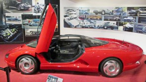 Corvette Indy, mais um conceito com motor central-traseiro