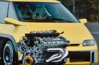 O motor V-10 do Espace F1 (car-revs-daily)