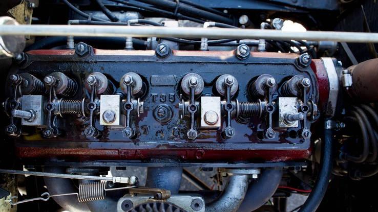 Vista superior do motor, com válvulas no cabeçote