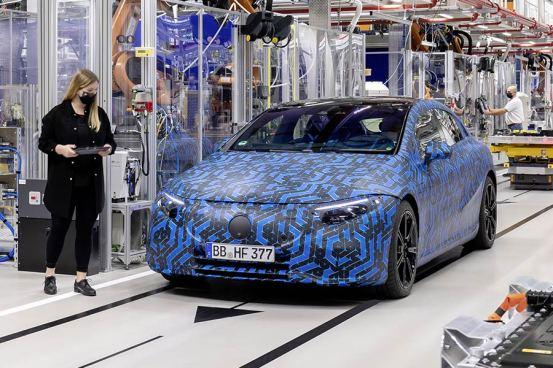 Η Mercedes ετοιμάζει ένα παγκόσμιο ηλεκτρικό σοκ!