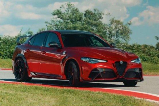 Η γέννηση του GTA Alfa Romeo Giulia σε 8 '(+ βίντεο)