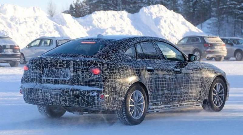 BMW i4 camuflaj