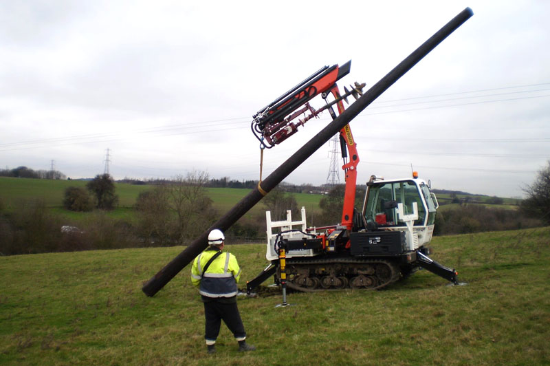 TC600 Erecting utility pole