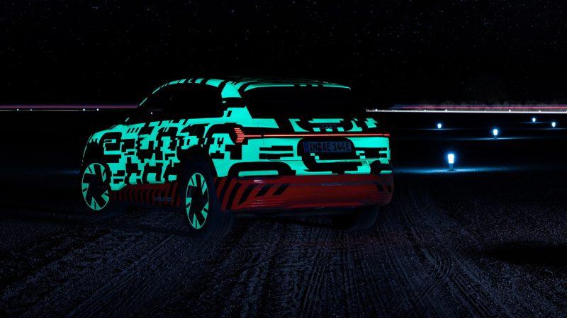 Audi e-tron Vorstellung Namibia_Leuchtband