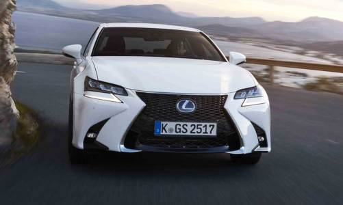 Lexus'dan iki yeni model: GS ve RC