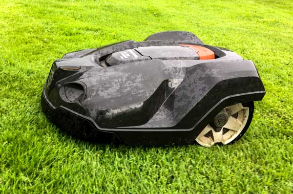 Husqvarna Automower Review Part 5 – Rain or Shine
