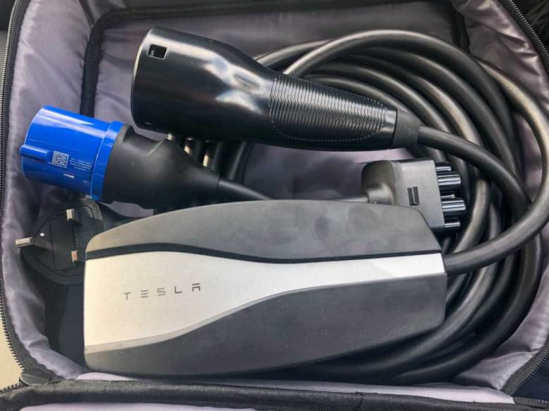 Tesla Model 3 Universal Mobile Charger UMC UK